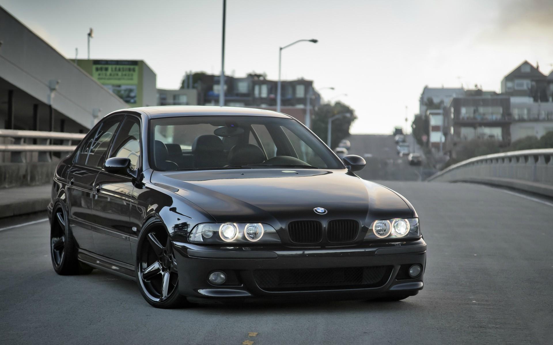 Great Luxury Cars That Require Minimum Maintenance Instamotor