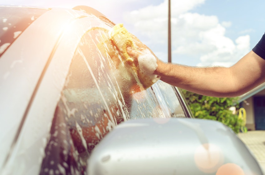 6 Must Have Items for Your Mobile Car Cleaning Kit