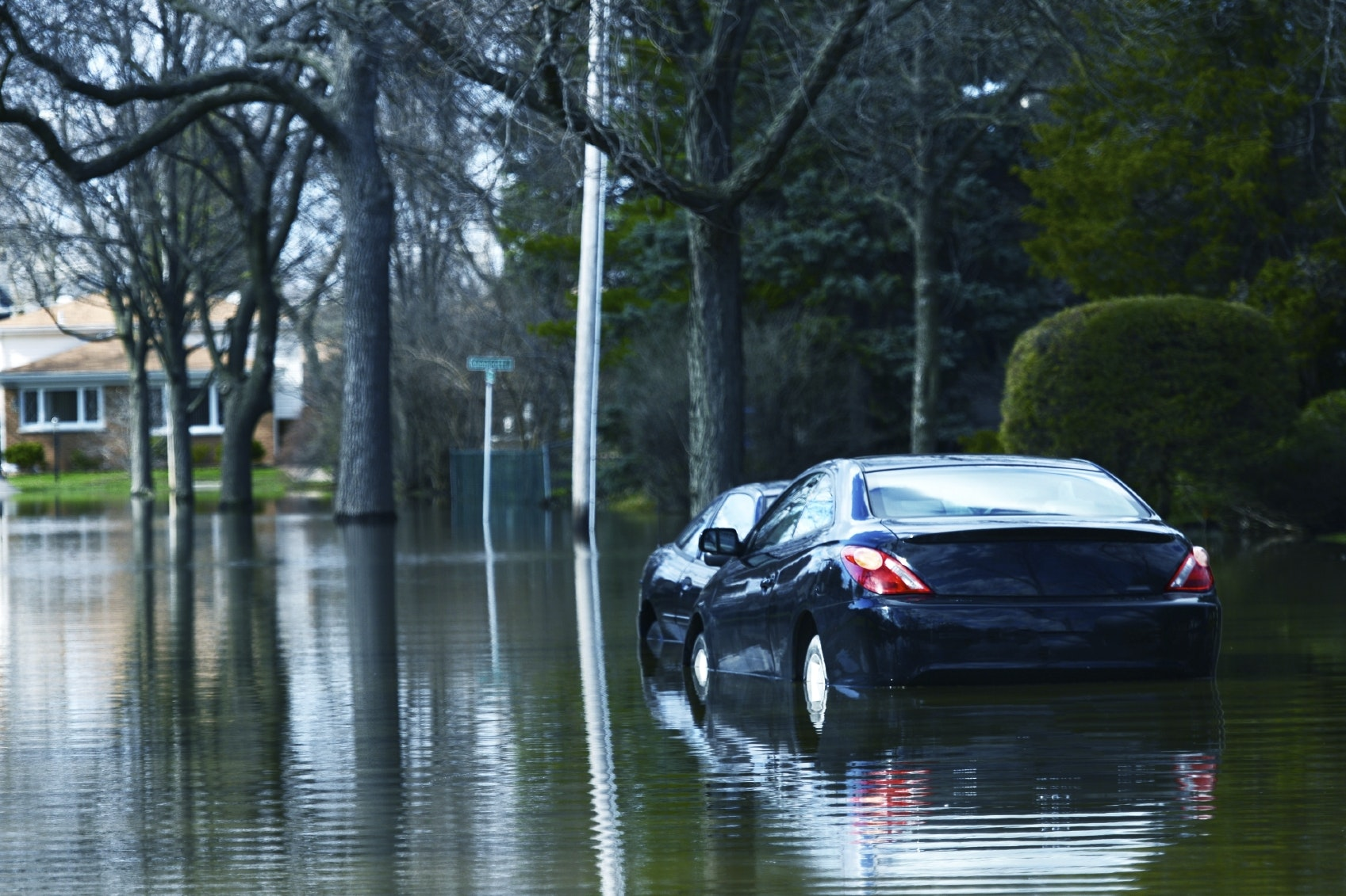 How to Detect Flood Damage on Vehicles